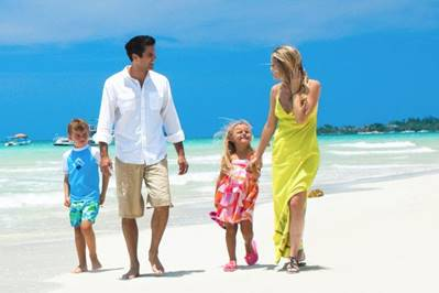 Family holiday travel tips
